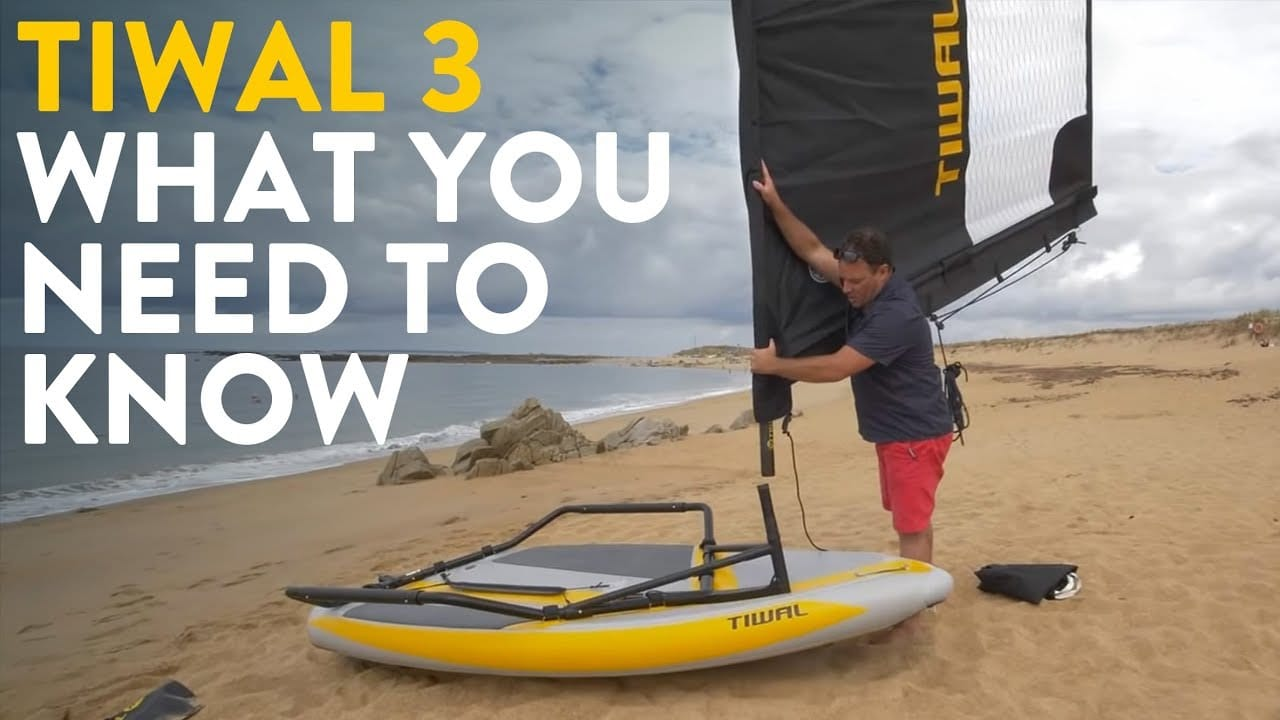 Vincent presents and assembles the Tiwal 3 small sailboat in video