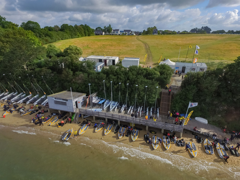 Assembly of the inflatable sailboats during the Tiwal Cup 2019